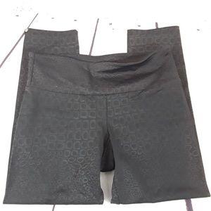Onzie capri athletic pants size s/m